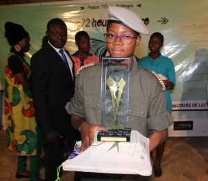 Bénin: Un enfant de troupe sacré Prix Maison TV5 du Jeune lecteur