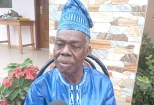 Bénin : Le Professeur Adrien Huannou  rêve d'une  « Maison du livre »